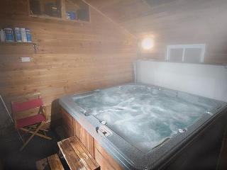 Our Luxurious 6 Person Hot Tub
