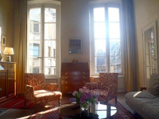 Apartment Saint Pere Paris apartment rentals, apartment in Paris to let, holiday rentals in Paris, furnished apartment in 6th arrondissement