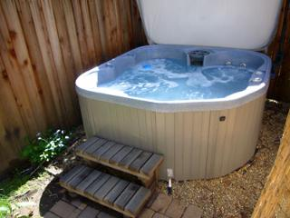 Up And Away, Hot tub, Privacy, Dog Friendly Home