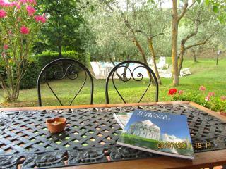 Tuscany, Casa Serena. Private Pool - for 4 guests, Castiglion Fiorentino