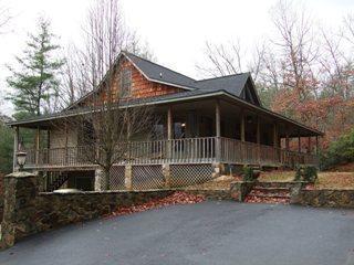 Paradise Hills Resort & Spa ~ Cat's Meow Cabin, Blairsville