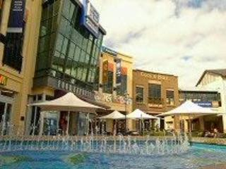 Botany Town Center-500 m from our complez