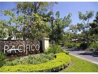 Pacifico - Fabulous Ocean View New 2 Bed 2 Bath, holiday rental in Artola