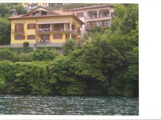 Villa Lake Como Private,Lakefront,Dock,Parking, Nesso