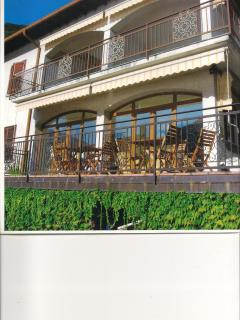 Lake Como waterfront sleeps 8 with 5 bedrooms 3.5 bathrooms private dock and parking free WIFI
