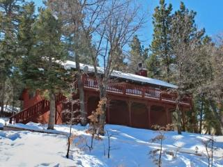 Whispering Heights Cabin a fantastic, relaxing vacation cabin in the Moonridge area of Big Bear Lake, Big Bear Region