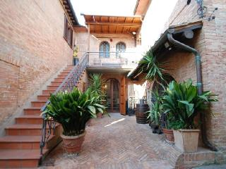 Apartment Palio holiday vacation apartment rental italy, tuscany, siena