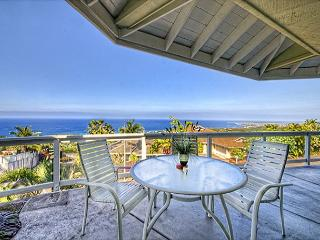 Spacious three bedroom, home with beautiful Ocean views, Kailua-Kona