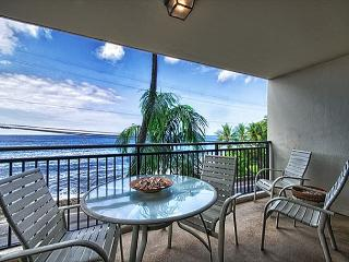 1 bedroom Ocean front condo, right down town w/ AC, great Ocean views, Kailua-Kona
