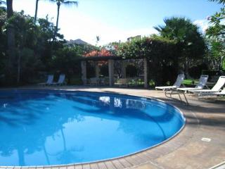Haleakala Shores A-208 Quiet 2b/2b across Kamaole Beach Great Rates! Sleeps 6