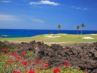 OCEAN FRONT VILLA OVER LOOKINGTHE SIGNATURE GOLF HOLE AT MAUNA LANI, Waimea