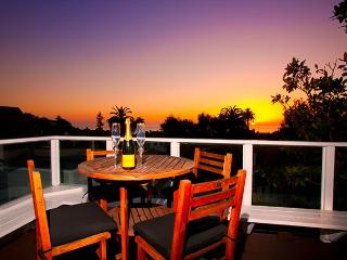 15% OFF APRIL DATES - Stunning La Jolla Sunsets and Seaviews