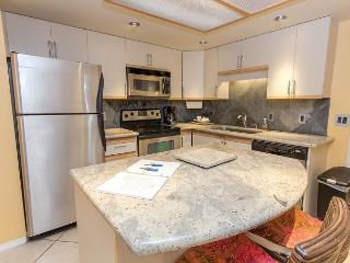 SUMMER SPECIALS! Renovated Two-Bedroom Condo Near Front of Property., Kihei