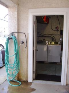 washer/dryer also outside shower and hose