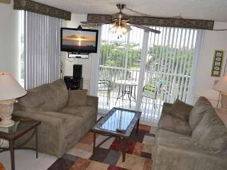 Newly Renovated Gold Rated Condo: Gulf,Tennis,Pool, Bonita Springs