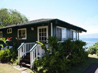 Dunbar Beachfront Cottages-Pauwalu Cottage -Kainalu, Molokai