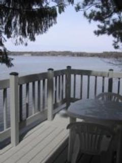 Patio at Lskefront Deckside