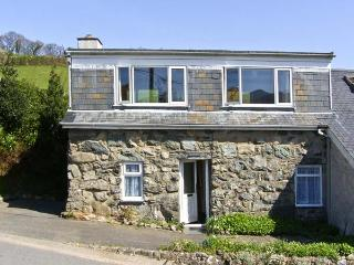 PENTY, pet friendly, country holiday cottage, with a garden in Dolgellau, Ref