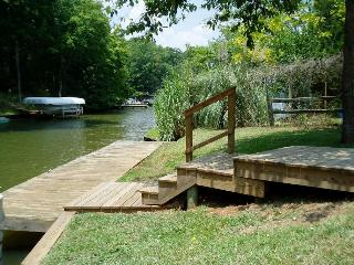 Lake Oconee - Open Space - Vacation Hideaway