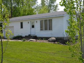 Bayfield, Ontario 2 bedroom cottage