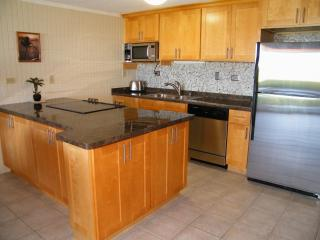 BEACHFRONT WALKOUT - $155 April SPECIAL - on a QUIET, SANDY Beach - OCEANFRONT, Hauula