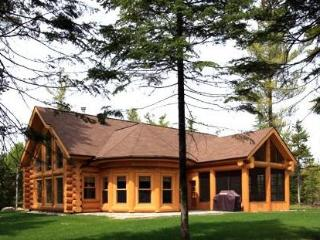 Luxury Quebec Log Cabin