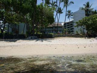 Romantic Oceanfront Studio Condo In Downtown Kona, Kailua-Kona