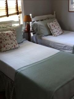 House ~ Twin Bedroom Suite - 1st floor