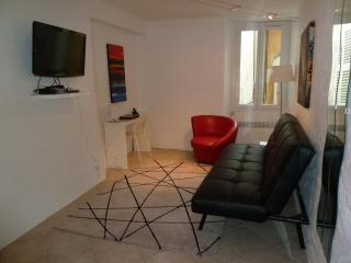 Wonderful 1 Bedroom Apartment in the Heart of the Suquet, Cannes