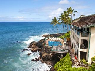 Sea Cove Hideaway dramatic oceanfront views with A/C end unit at Poipu Shores
