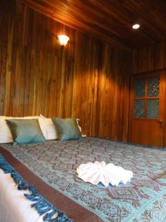 Second bedroom with the King size bed. Beatifully decorated in modern Thai style