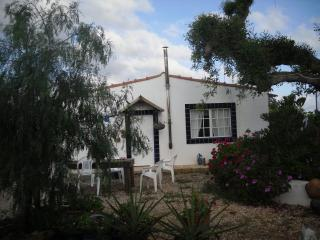 detached Villa in hills & orange groves.T/2 villa, Silves