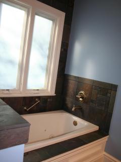luxuriousjacuzzi bathtub