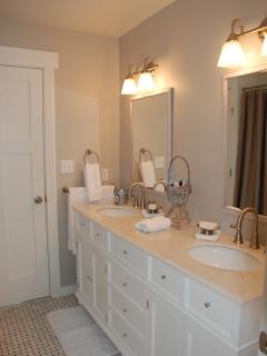 Master Bath, shared - Front house