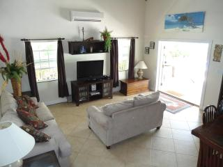 Super house, great location., Providenciales