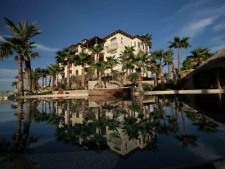 Luxury Beach Resort Condo at Esperanza *FREE NT*, Cabo San Lucas