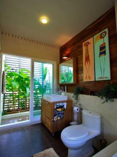 Master Bathroom | The Levels | luxury, sea-view, villa for rent, Koh Lanta, Thailand