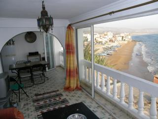 Sunny beach-side apartments in Taghazout