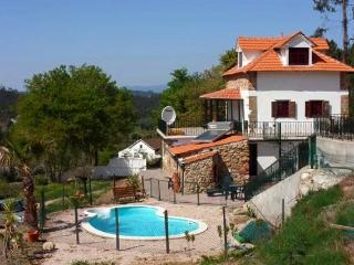 "Private ""Farmhouse"" with Pool, Quinta Lamarinho, Arganil"