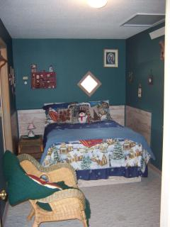 full size bedroom in NIGHTLY CABIN