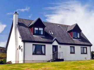 CREAG BHAN, family friendly, with a garden in Suladale, Isle Of Skye, Ref 7032, Portree