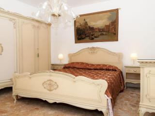 A true Venetian house 5 minutes from S.Mark Square, Veneza