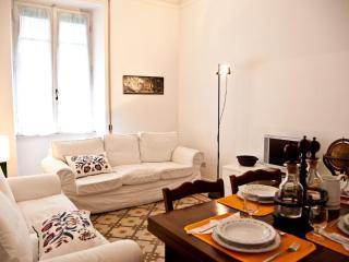 Vatican -2 Bedrooms cozy apt with balcony-wifi, Rome