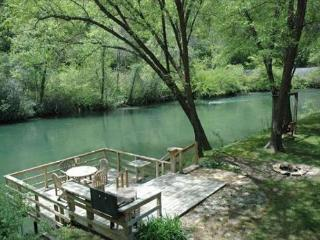 Toccoa Fish Trap- A fisherman`s dream cabin!