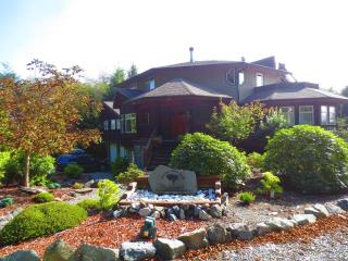 Vacation Home Ucluelet- 1or2 Bedroom-Full Kitchen.
