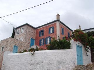UPSCALE VILLA -  HYDRA ISLAND - GREECE - SEA VIEWS, Hidra