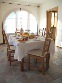 Enjoy a colourful and mouthwatering breakfast Italian style with your family at Villa Maura!