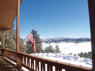 Chalet sleeps 10-14, AC, hot tub, views of mountains & river, hot springs nearby