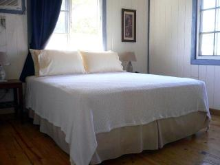 Upscale Beds and 400ct Egyptian Cotton Sheets