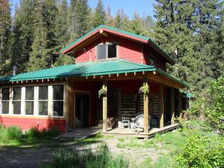 Creekfront Cabin